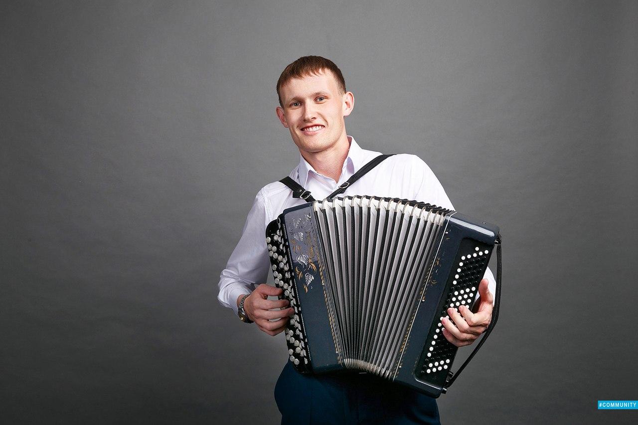 Сегодня свой День рождения отмечает наш коллега, аккомпаниатор-концертмейстер Нефтекамской госфилармонии Нигамаев Нафис Тимергазеевич