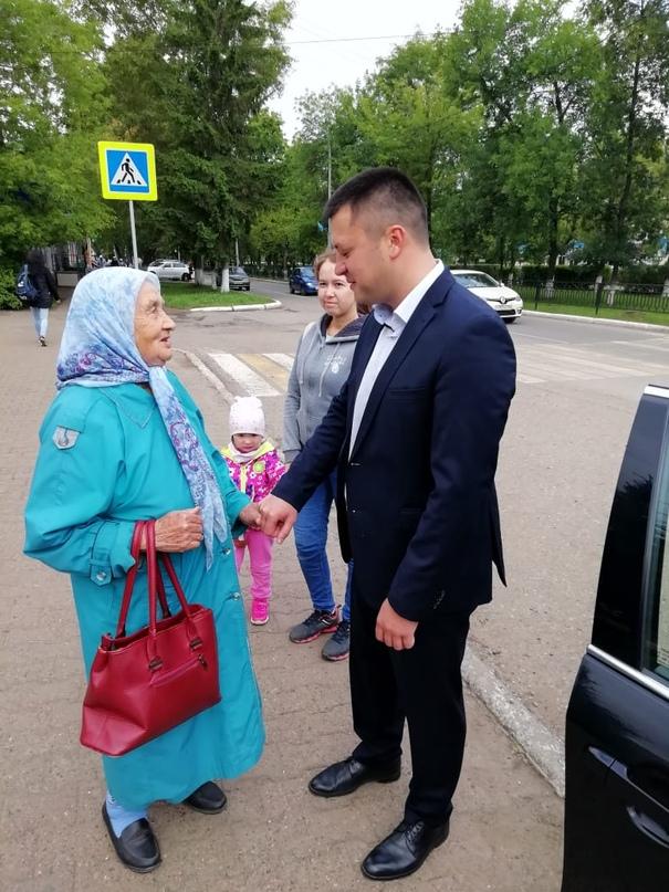 Глава города Нефтекамск Ратмир Мавлиев посетил Нефтекамскую государственную филармонию.