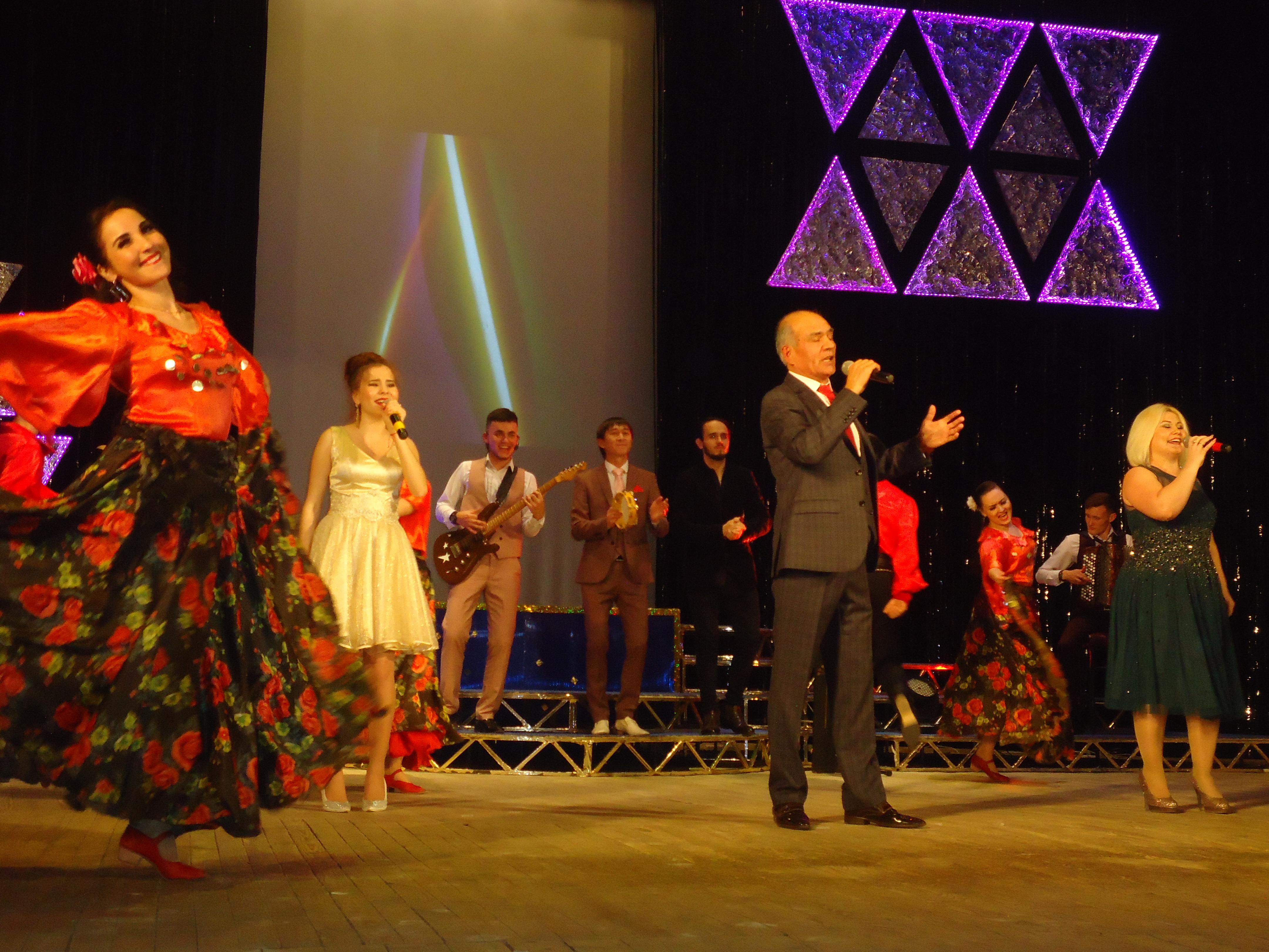 Вчера с полным аншлагом прошел концерт татарской эстрадной группы «Кайтаваз»!