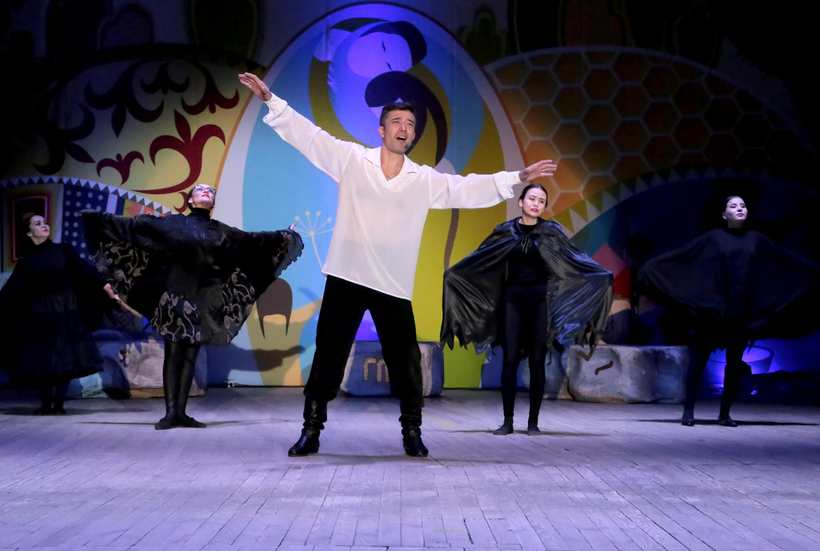 Театрально-хореографическая постановка «Цветы на камнях»