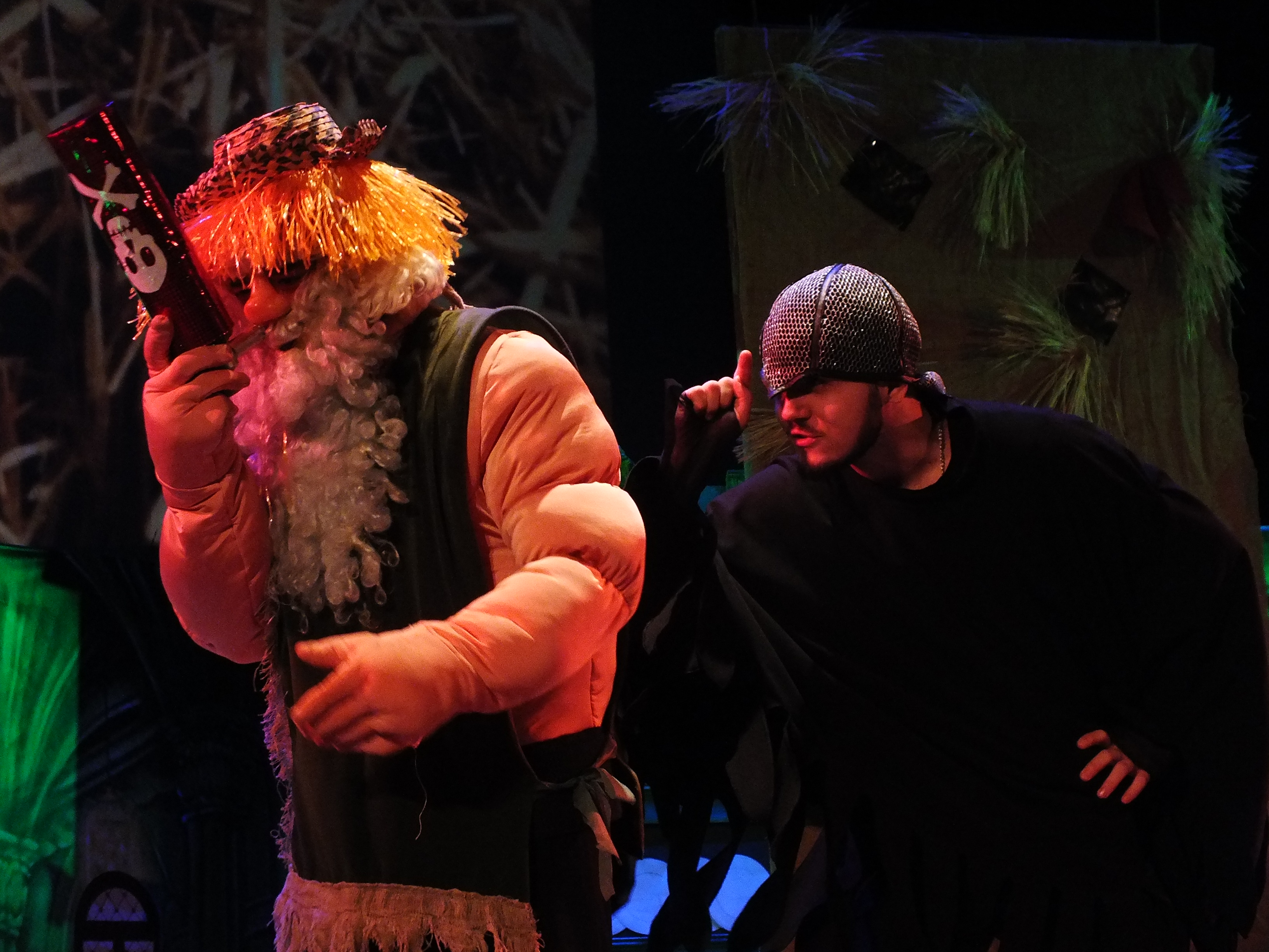 По многочисленным просьбам наших зрителей, сегодня состоялся показ сказки «Новогодний ремикс в Изумрудном городе».