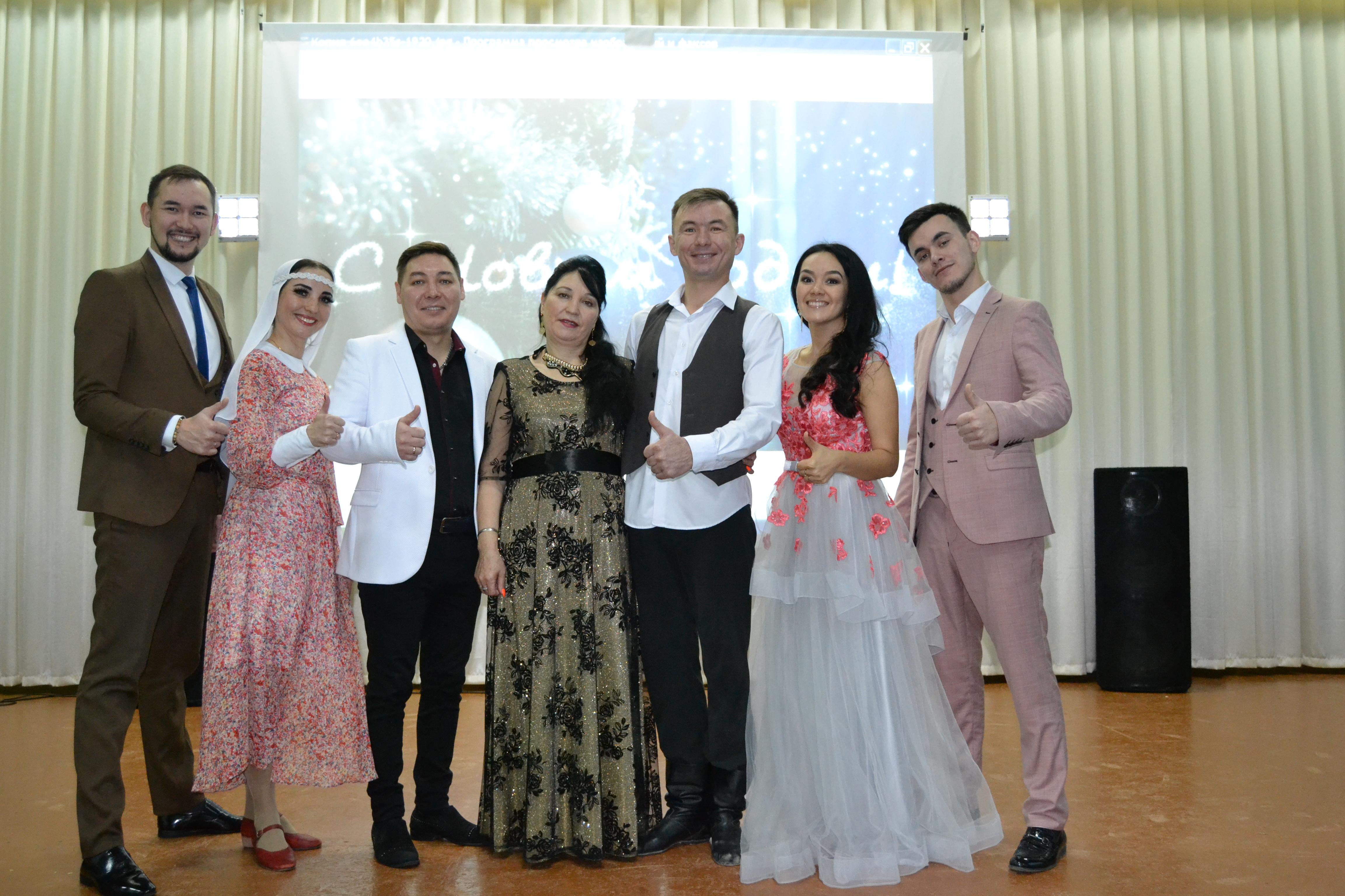 Сегодня артисты Нефтекамской госфилармонии  выступили с Новогодним благотворителным концертом в ПНИ г.Нефтекамск.