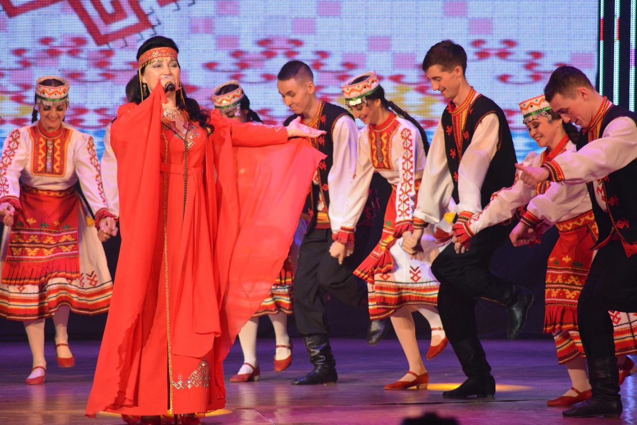 Сольный концерт Раисии Исенбаевой «Моей души серебряные крылья» на интернет канале YouTube