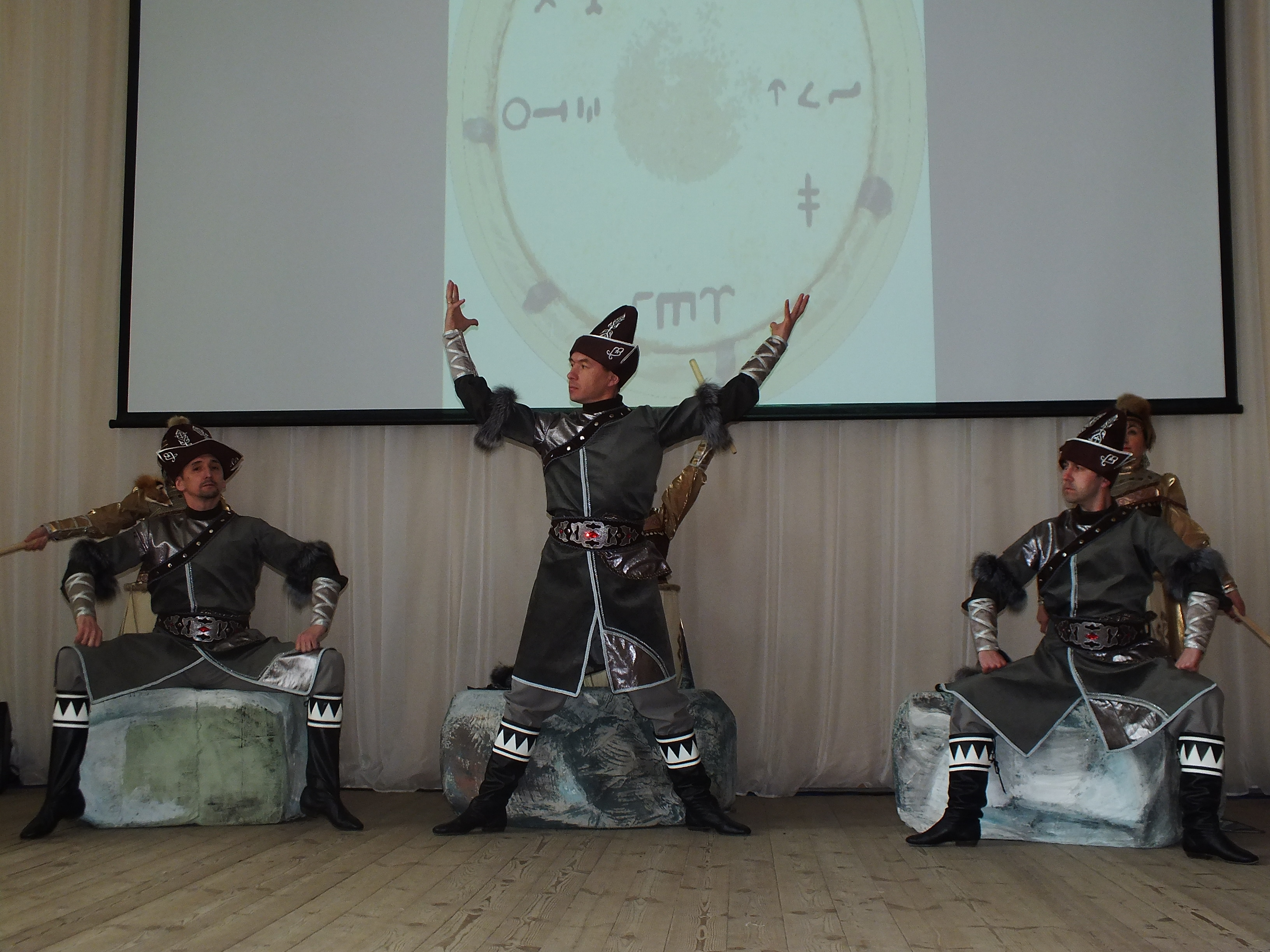 16 марта состоялся показ театрально-хореографической постановки «Цветы на камнях» в образовательных учреждениях города Уфы.