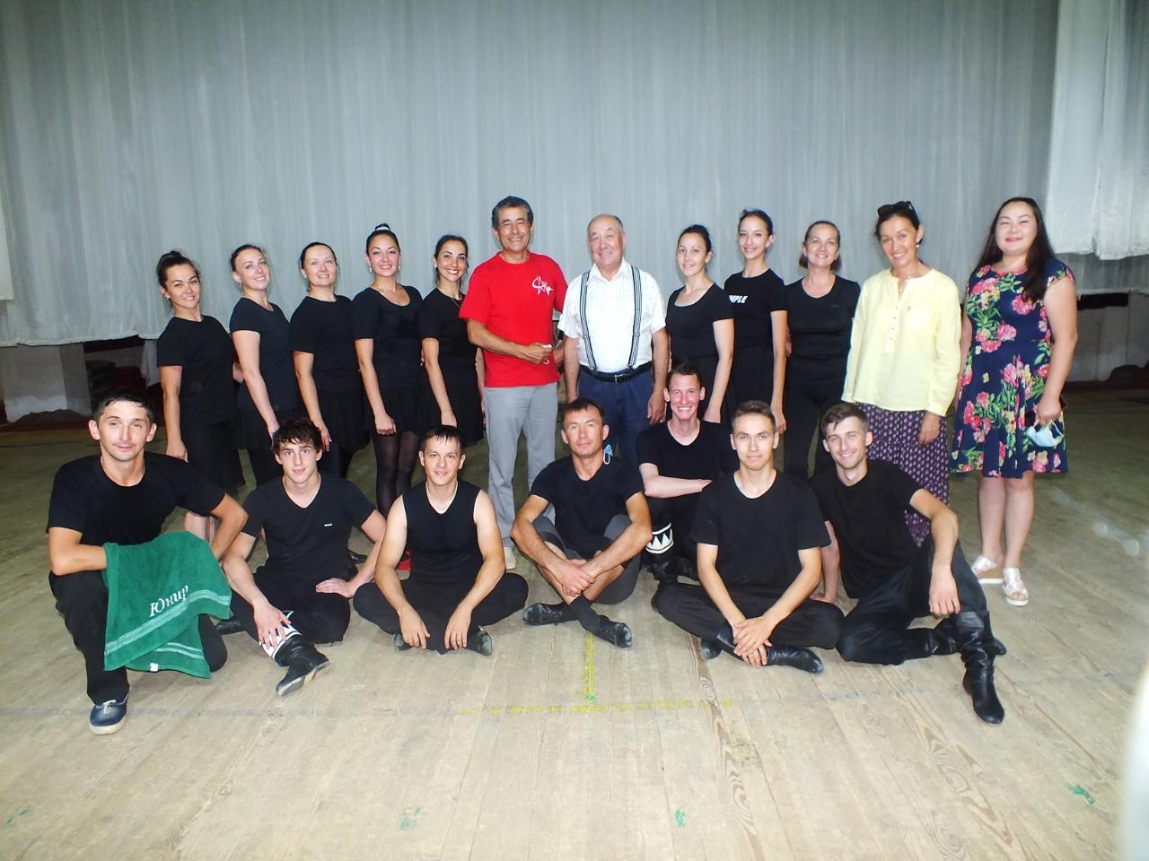 Ансамбль танца «Тангаур» презентовал три новых танца.