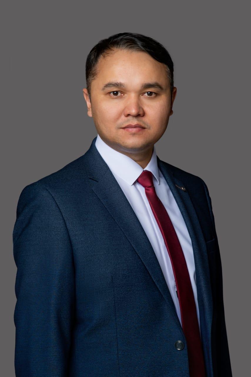 Директор — Гайсин Ринат Рашитович