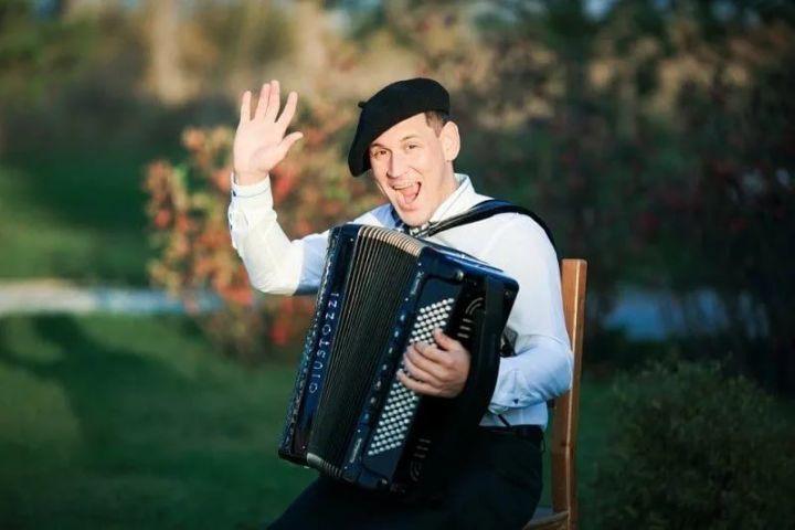 Ушёл из жизни музыкант, баянист — Айнур Фатихов.