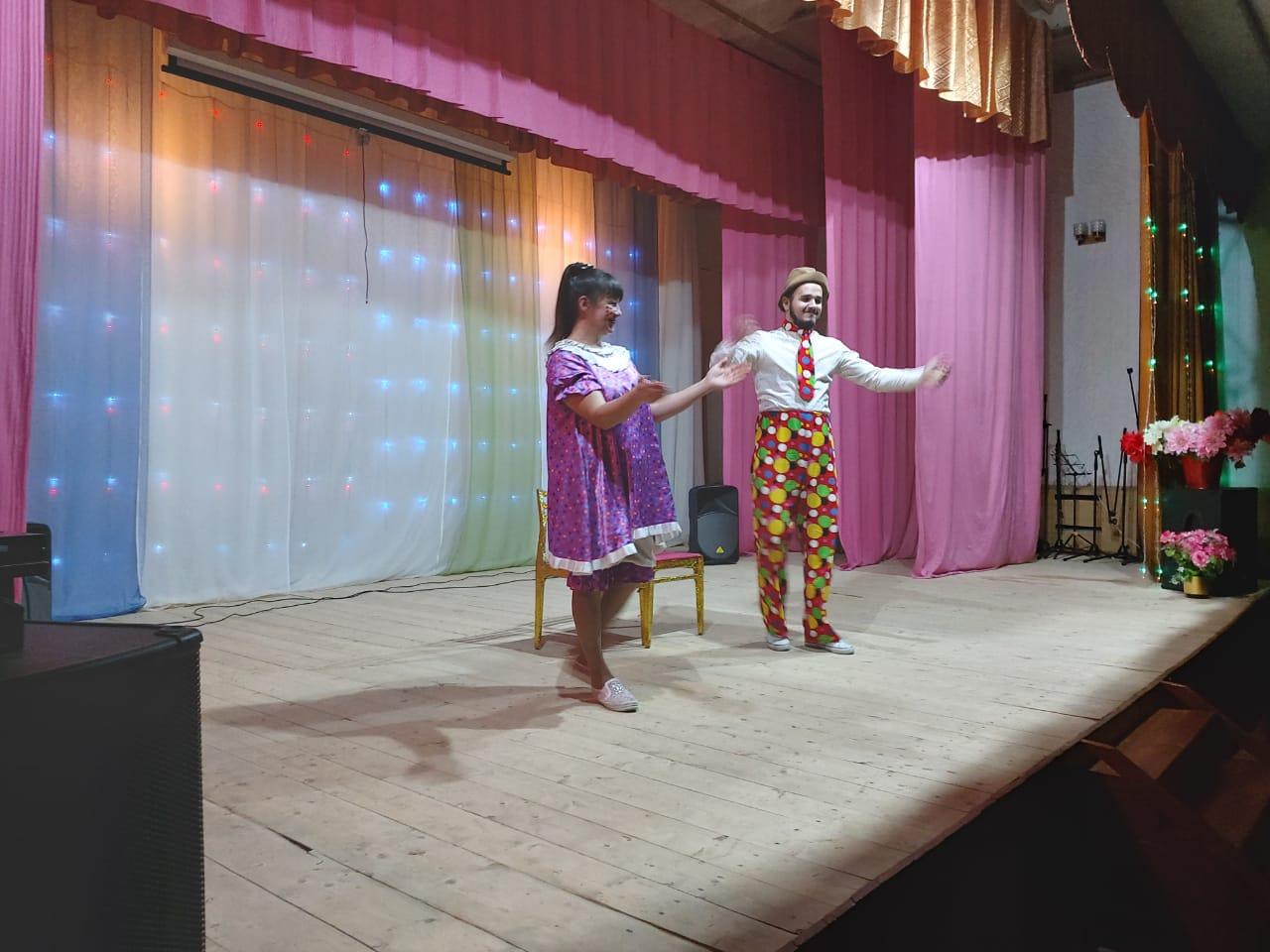 Гастроли эстрадно-цирковой группы «Чингиз и Тамерлан».