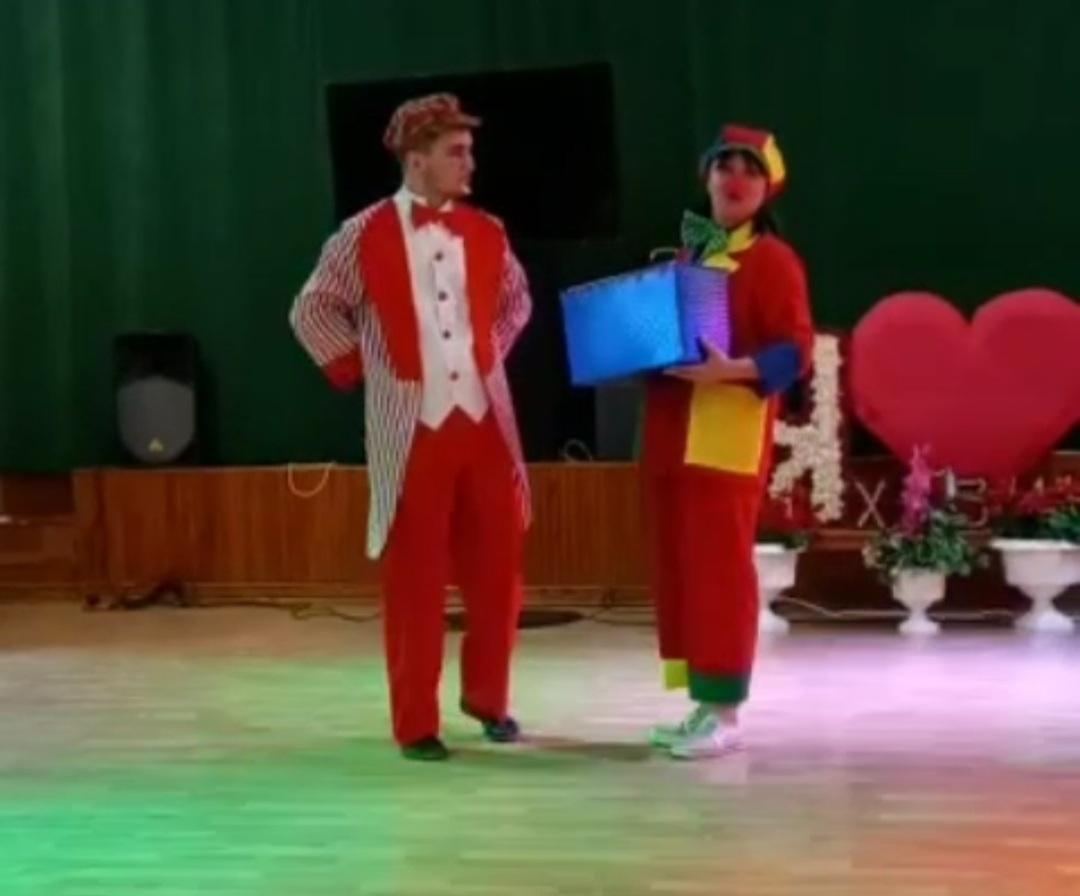Вчера, 4 июня, для посетителей санатория-профилактория «Хазино» Краснокамского района РБ выступила эстрадно-цирковая группа «Чингиз и Тамерлан»
