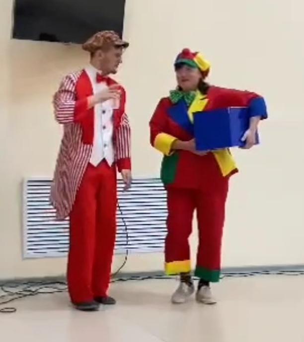 Вчера, 8 июня, для посетителей санатория-профилактория «Сосновый бор» с.Николо-Березовка Краснокамского района РБ выступила эстрадно-цирковая группа «Чингиз и Тамерлан» Нефтекамской государственной филармонии.